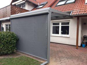 Terassendach mit Wind- und Sichtschutz
