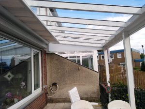 Terassendach mit Seitenteilen
