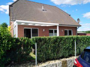 Terassendach mit Sicht- & Windschutz