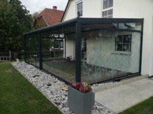 Terrassendach mit Glasmuster