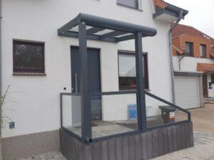 Neue Haustür und neues Vordach